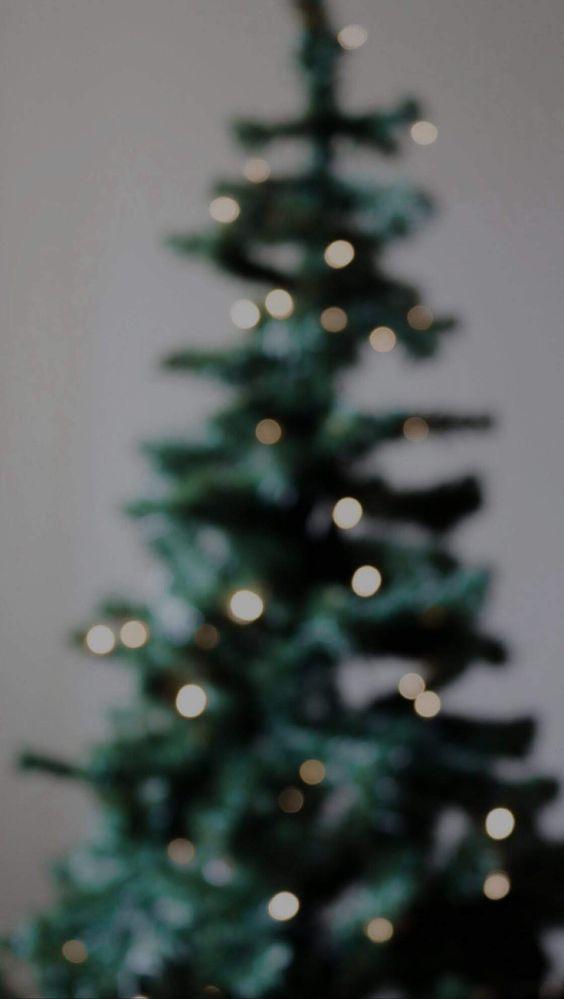 Scandinavian Christmas Tree Inspo