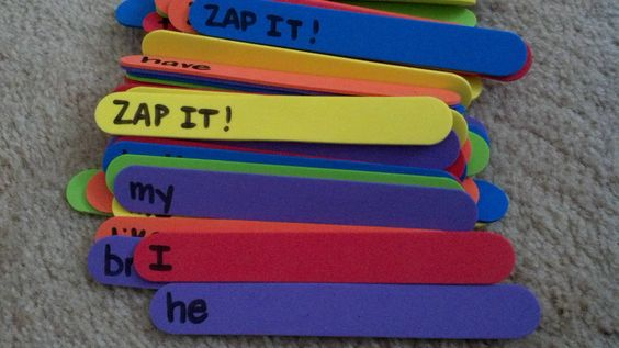 Zap It...a game I learned in grad school. Put high frequency words on sticks (these are foam sticks) and write zap it on a few sticks. The kids pull sticks from a container and read the words. If someone gets Zap It, all of the sticks go back in the bin. Great word work #daily5. You could also do letters and numbers.