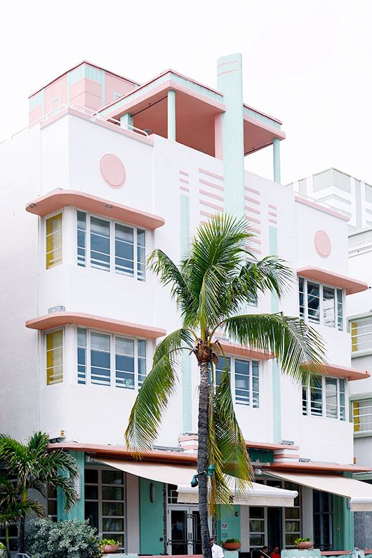 welcome to miami: art deco walking tour / sfgirlbybay