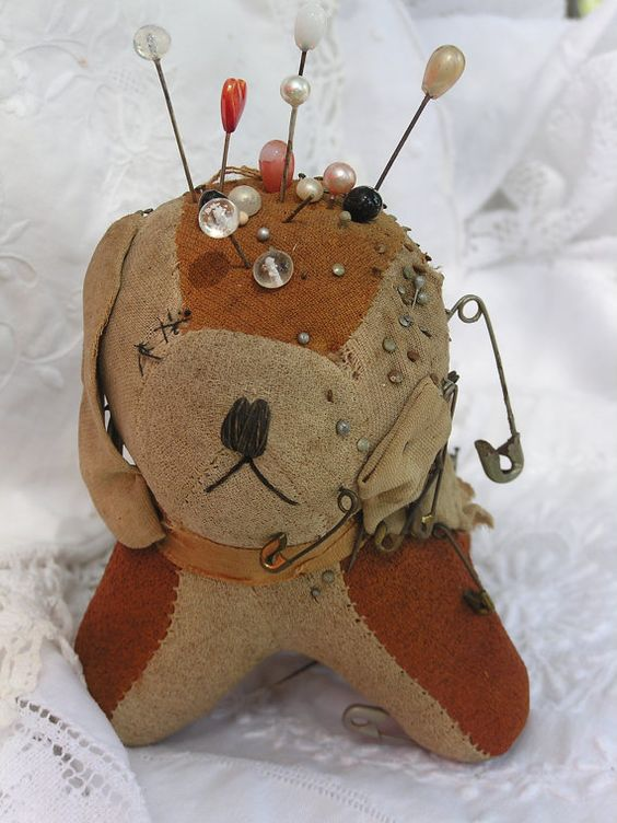 Antique Pincushion Made In Japan Dog 1949/1950's Comes w 12 Hat Pins