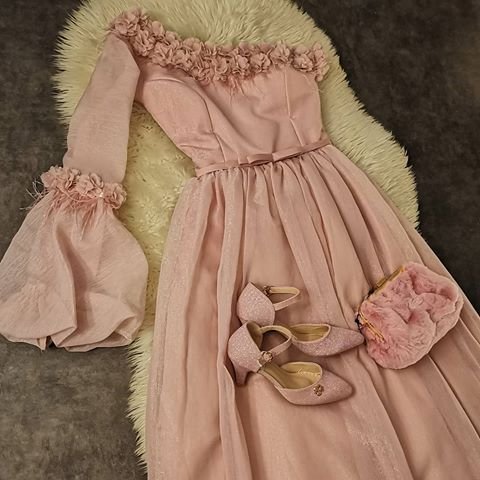 مجمع عادل الدولي فساتين Adel Mall Intr Instagram Photos And Videos Fashion Victorian Dress Dresses