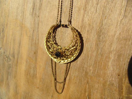 collier sautoir et breloque demi lune vintage : Collier par milky-bibiche