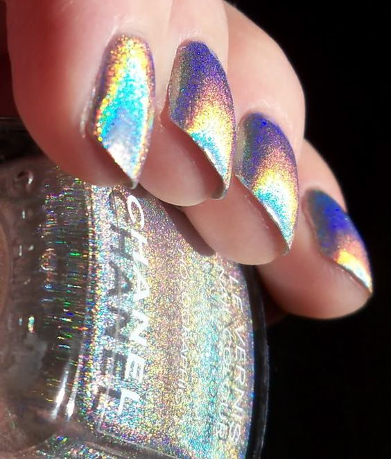 Sparkle Chanel nails