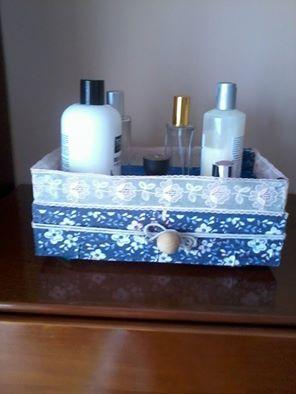 Caja de fresas reciclada mis diy pinterest blue - Cajas de madera recicladas ...