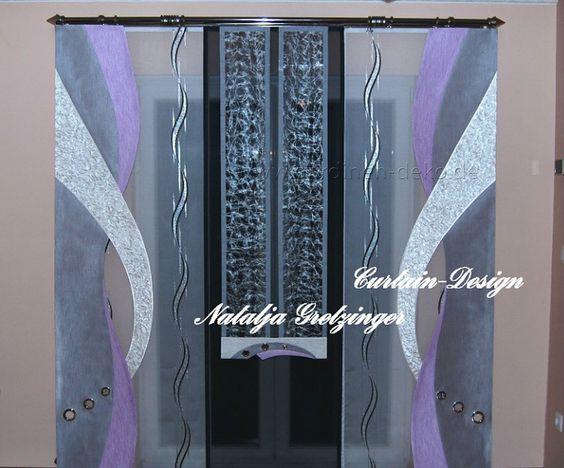 Lila-silberner Schiebevorhang mit großen Dekoelementen -   - wohnzimmer in grau und lila