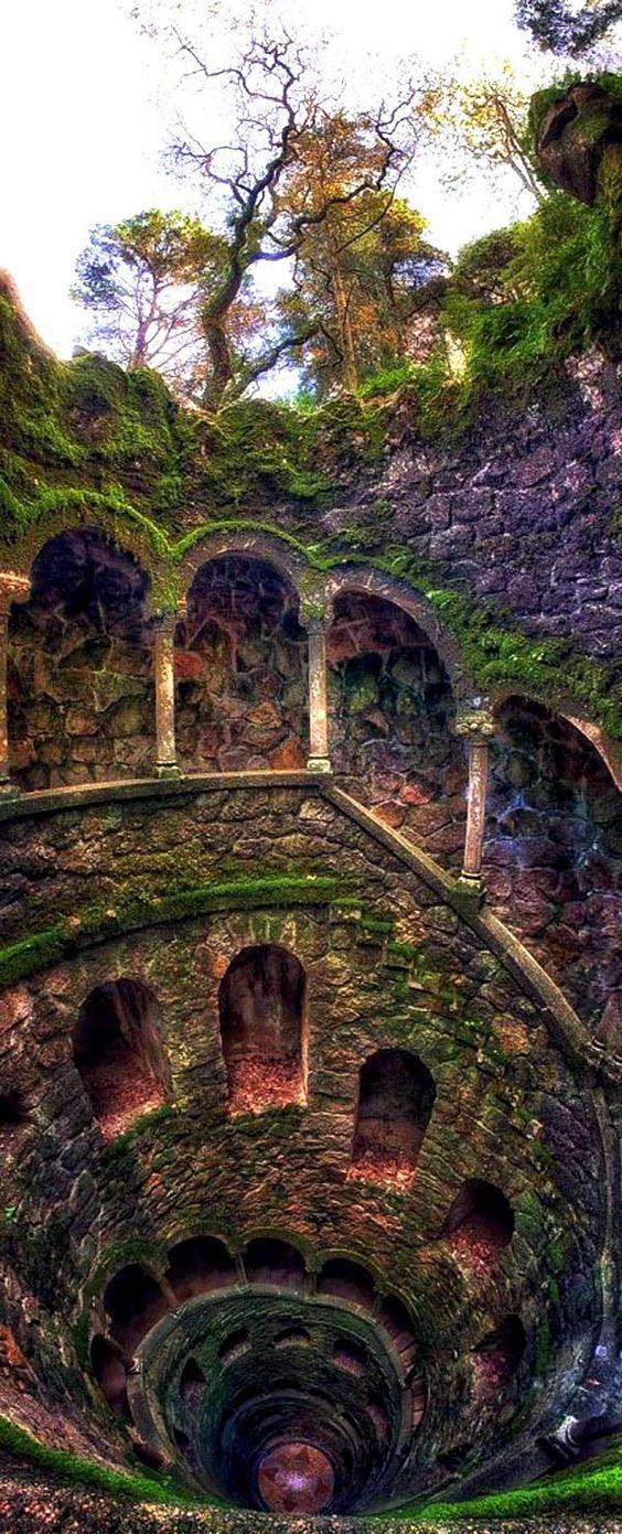 Инициативният кладенец, Regaleira Estate, Синтра, Португалия |  129 места, които трябва да посетите веднъж в живота си