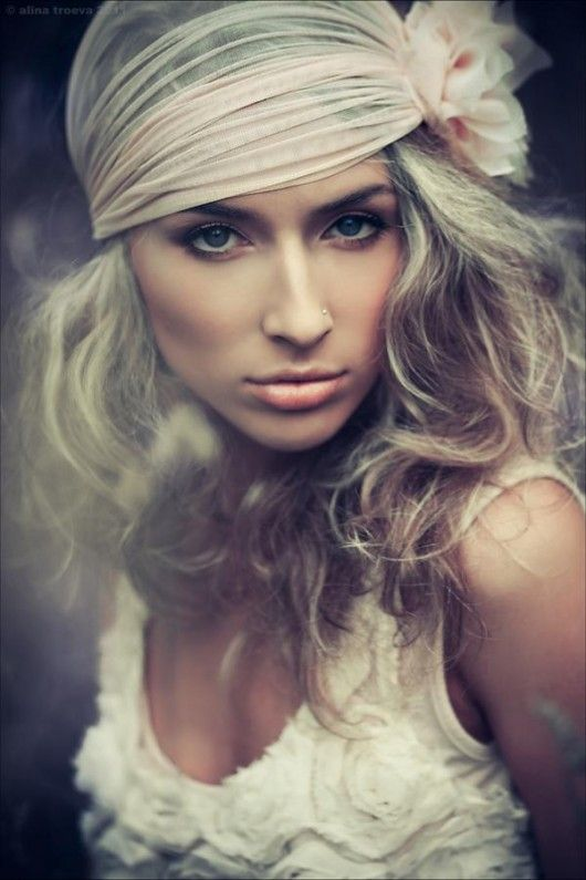 Love this knotted hairpiece