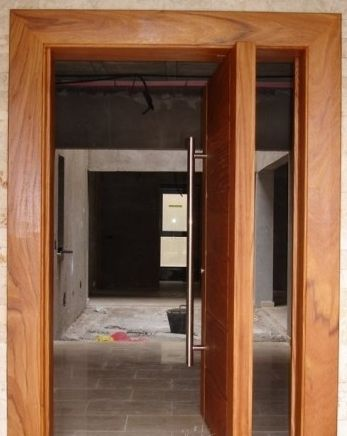 Puerta pivotante pedro pinterest puertas y b squeda for Como reciclar puertas de madera