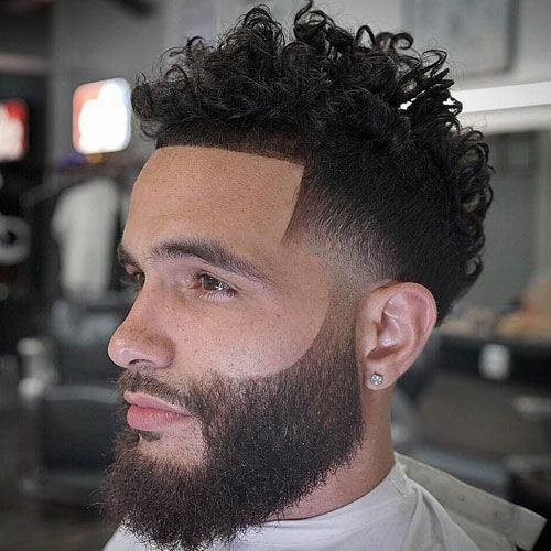 Low Mid Fade Line Up Long Curly Hair Beard Curly Hair Styles Fade Haircut Tapered Haircut