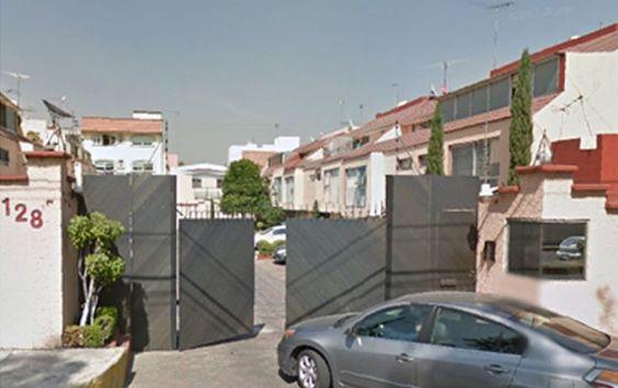 Casa en condominio en Calzada de las bombas 128, Ex-Hacienda Coapa, DF en Venta…