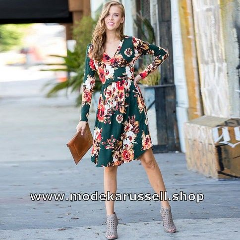 Langarm Midikleid Sommerkleid 2020 Elegant Mit Blumenmuster In 2020 Sommerkleid Kleider Gunstige Damenmode