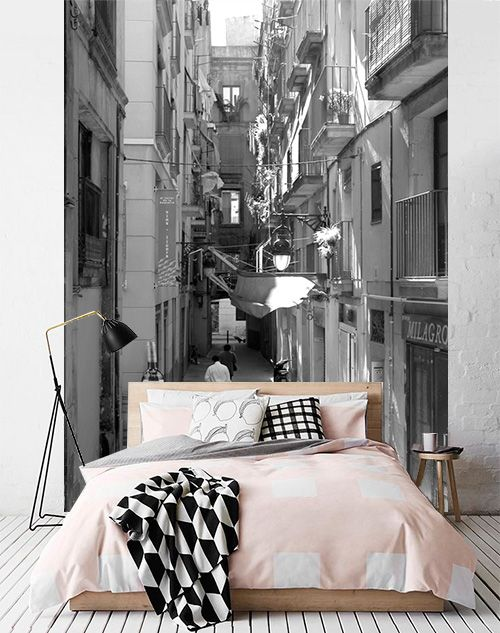 ¿Imaginas perderte cada noche por las calles del barrio gótico de Barcelona? Con el #fotomural Barcelona, puedes ;):