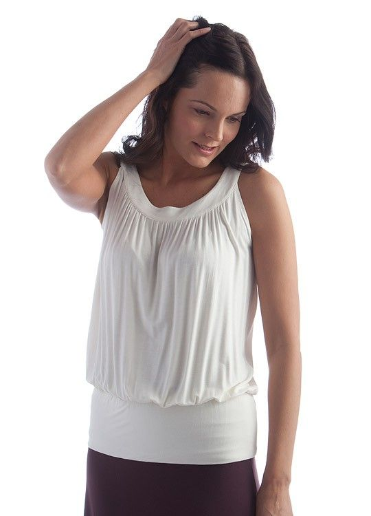 Eco Baby Mama Drama is giving away a $100 gift certificate to Yala Designs!  This Bamboo Dreams Circle Top is perfect when paired with the Sophie Short wrap!