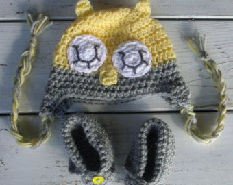 Crochet baby girl or boy owl hat and bootie set- yellow and grey- Newborn-12 months available
