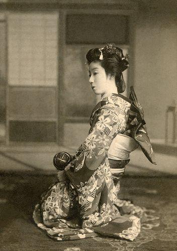 An Osaka Maiko with a Temari Ball 1910s
