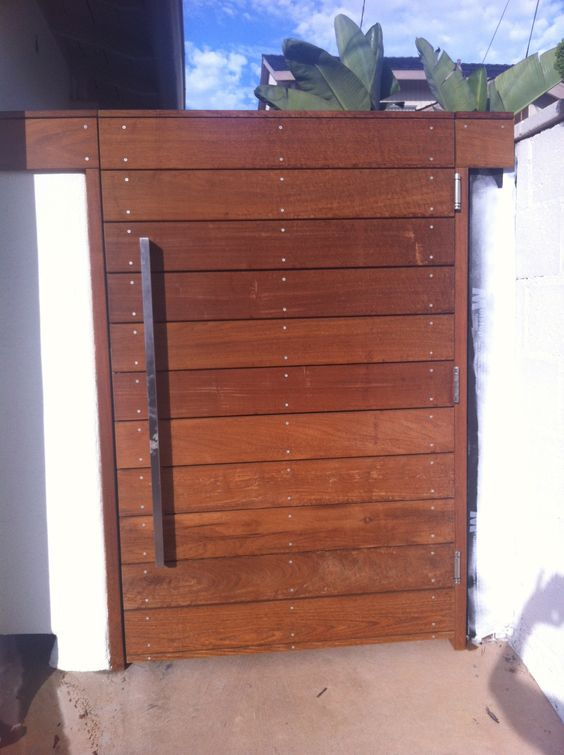 Side gate option horizontal slats with thing vertical for Wooden front gate designs