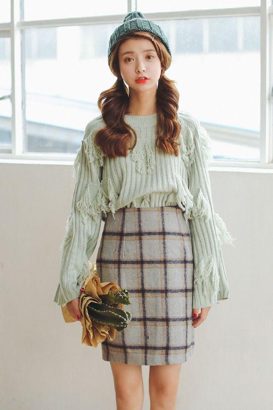 Porta Check Woolen Pencil Skirt | YESSTYLE