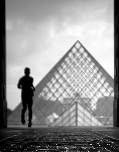 La Pyramide du Louvre by Gregory Bastien, via Flickr