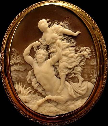 RARE Museum 1820's Georgian Abduction of DeianiraTommaso Saulini Shell Cameo 15K: