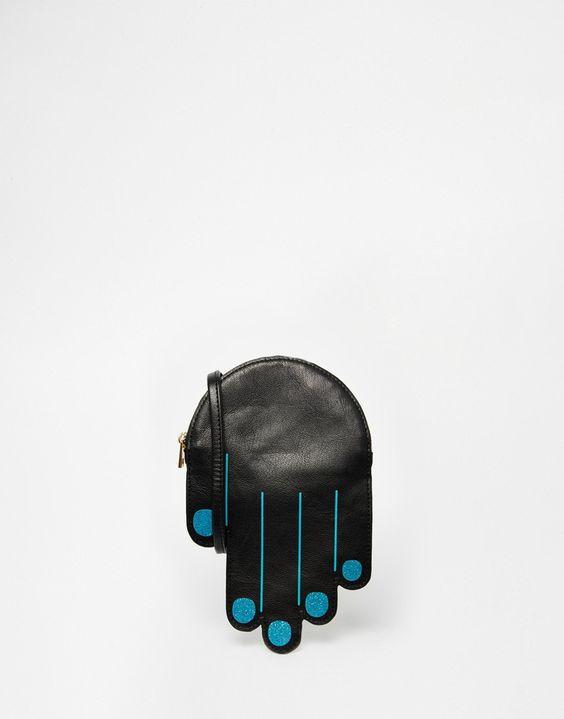 Bild 1 von Monki – Umhängetasche in Handform