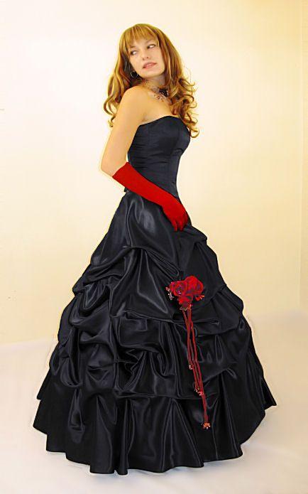 ... Gothic  Wedding Gown  Pinterest  Gothic, Kleider und Abtanz