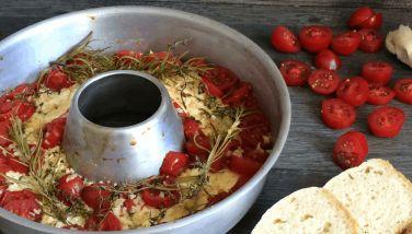 Überbackener Schafskäse mit Tomaten