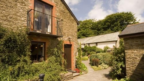 Wheel Farm Cottages Exterior