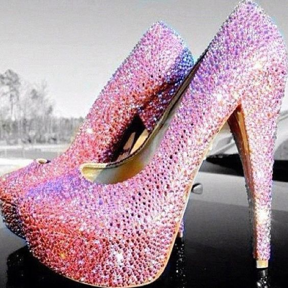 If only I could wear heels like this