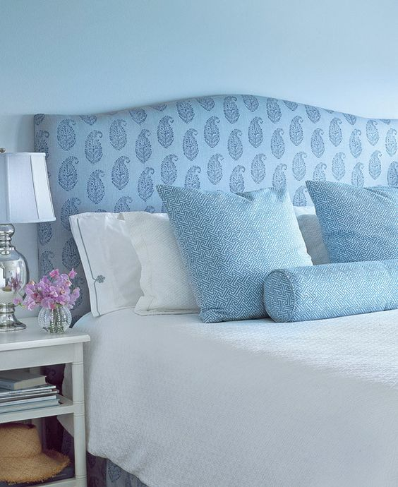 A coastal California cottage on the blog.  Blue and white bedroom. www.SummerlandHomesandGardens.com