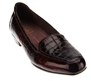 Clarks Artisan Everyday Patent Leather Slip On Shoes