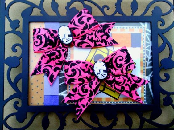 Pink and black damask bow set. 3 inches..cameo skulls. Etsy.com/shop/bowsnicecream !! Free shipping until october 31st