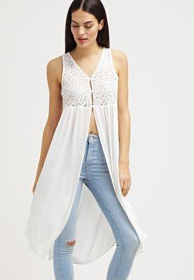 Vêtements Bik Bok SANDHILL - Blouse - off white blanc cassé: 29,95 € chez Zalando (au 8/05/16). Livraison et retours gratuits et service client gratuit au 0800 490 80.