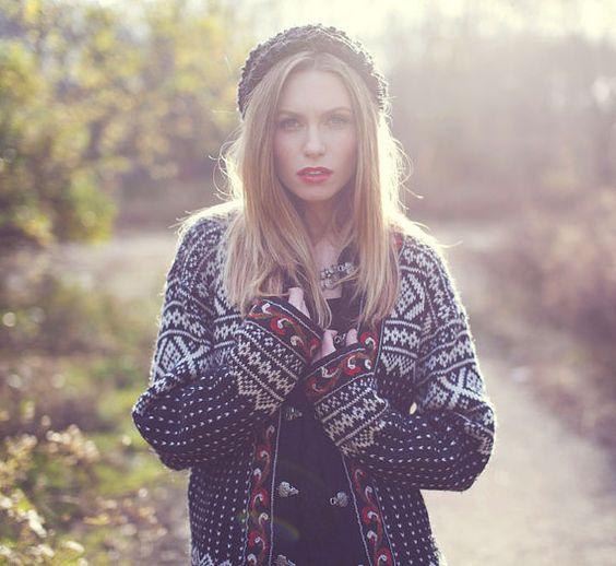 Vintage FOLK Sweater Black Ethnic Norwegian by LotusvintageNY