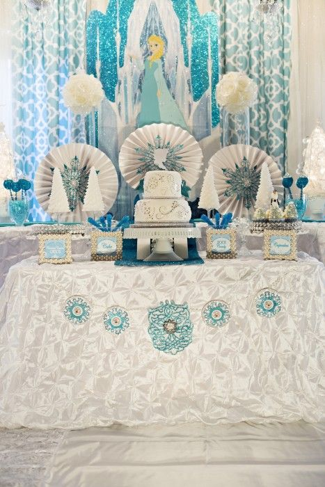 {Whimsical Feature}  Sparkly Frozen Party--um, can I have a party like this?