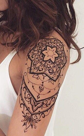 Tattoo schulter oberarm Schulter Tattoo