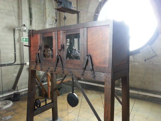 Maquinaria original del reloj del Ayuntamiento de Oviedo