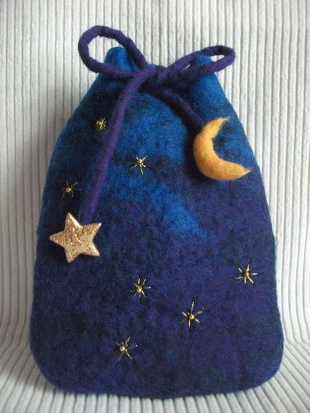 Small Felt Bag 'Moon & Stars' handgefilzt