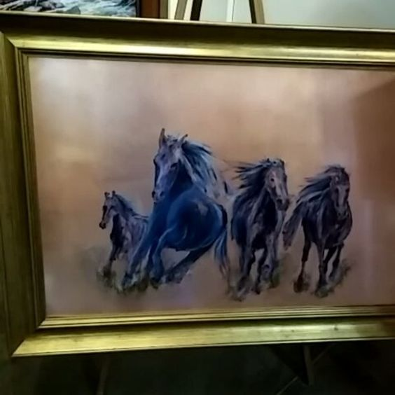 Copper Run by fine artist Stephen Hackley!  #commercialdesign #commercialartwork #lawyersoffice #doctorsoffice #cpaoffice #dentaloffice #decorate #reception #receptiondecor #lobbydesign #lobbylounge #lobbybar#entrepreneur #professional #waiting #horses #horse #equine #equineartist #finearts #fineart#copper #copper