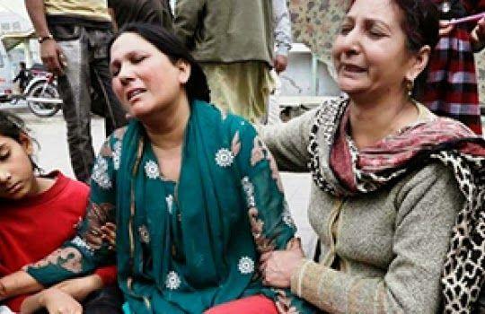 Ataque a igrejas deixa 14 mortos e mais de 70 feridos no Paquistão