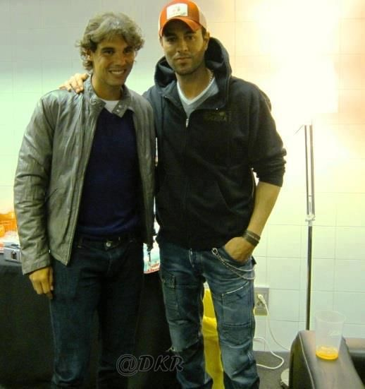 ¿Cuánto mide Enrique Iglesias? - Altura - Real height 433d22377ecbf1c241b7e8cd02e79ddc