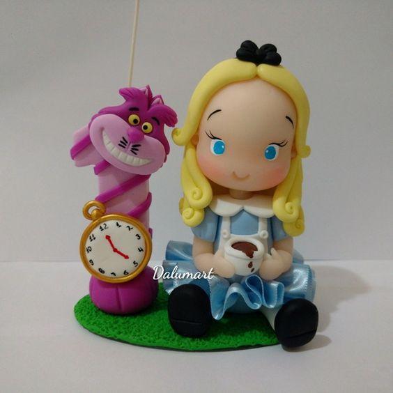 Topo de bolo Alice 12cm