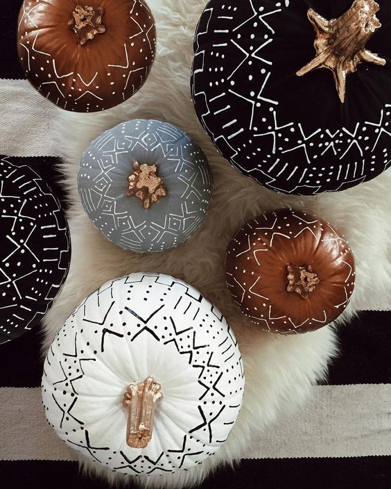 Mudcloth tribal Halloween pumpkins - Boho Halloween decorations. Boho Halloween Pumpkins. No carve pumpkin ideas. Pumpkin painting ideas. Pumpkin decorating ideas pinterest. creative pumpkin decorating ideas. pumpkin decorations for fall. pumpkin decorating contest ideas halloween pumpkin decorating ideas. mini pumpkin decorating ideas. boho halloween decor.
