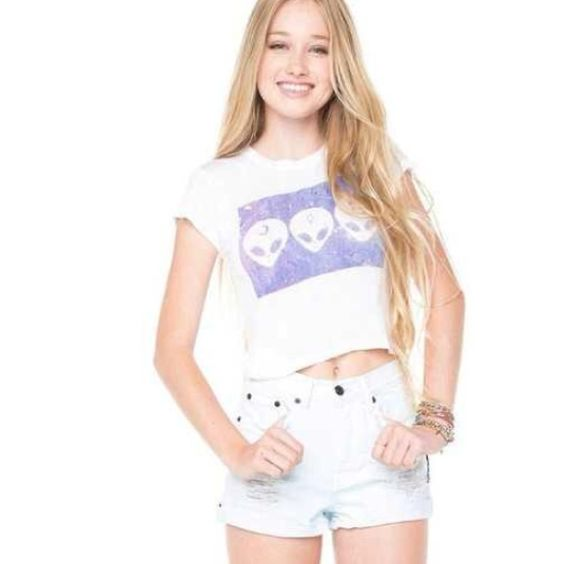 ISO brandy melville & urban outfitters shirt!!! alien shirt & ice cream shirt Brandy Melville Tops