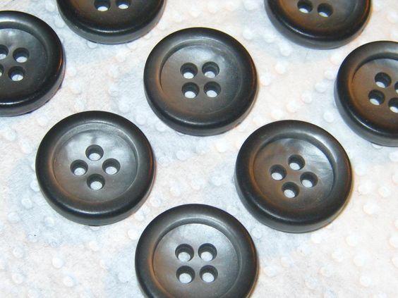50 Stück Hemdknöpfe,4 Loch,Grausilber,Durchmesser ca.18 mm,Neu,Lübecker Knopfmanufaktur von Knopfshop auf Etsy