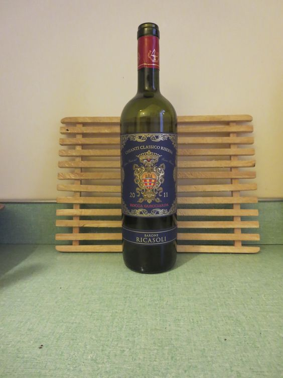 2011 Barone Ricasoli Chianti Classico Riserva 13.5% Intense ruby red with notes of pepper, spicy complex fruits, dry on the palate with soft red fruits, smooth and structured, a touch of toast and spicy fruits, meatiness. 80% Sangiovese, 20% Cab Sauv/Merlot BP: Buy: Enjoy with Dinner