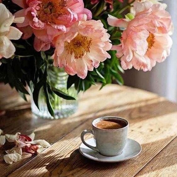 | JOLI DIMANCHE | ❤️ . . . . 📸 Pinterest #happysunday #sundaymood #moodofday #coffeetime