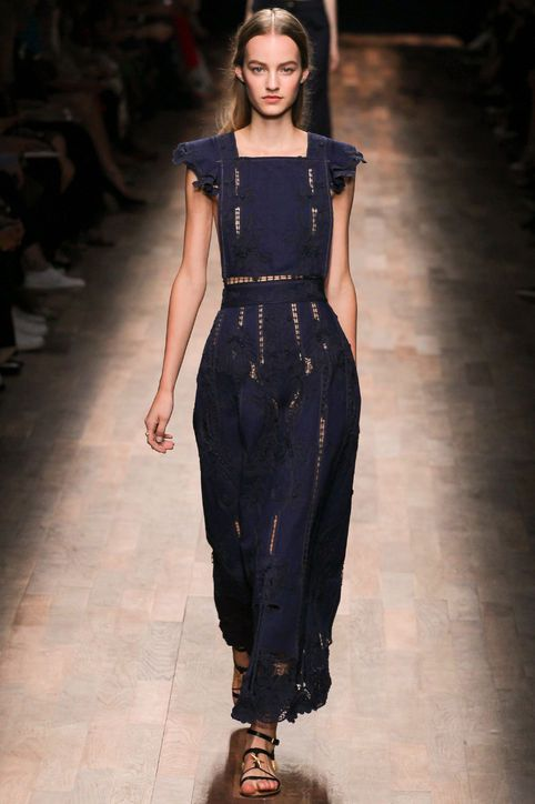Spring 2015 Fashion Trend: An Elegant Lace Gown - Valentino spring 2015 - Glamour.com