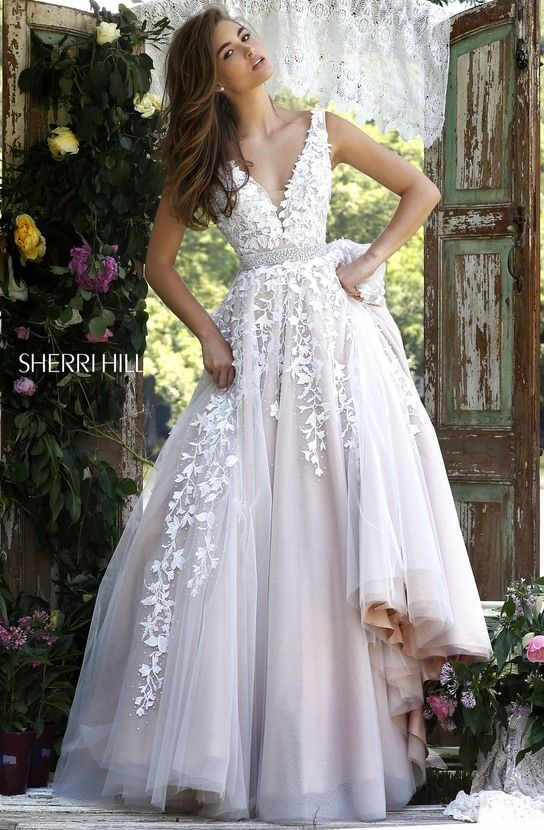 Lace deep V bodice with tulle ball gown skirt