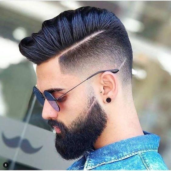 Corte com risco na lateral Razor Part. Veja mais cortes de cabelo masculino no blog Marco da Moda
