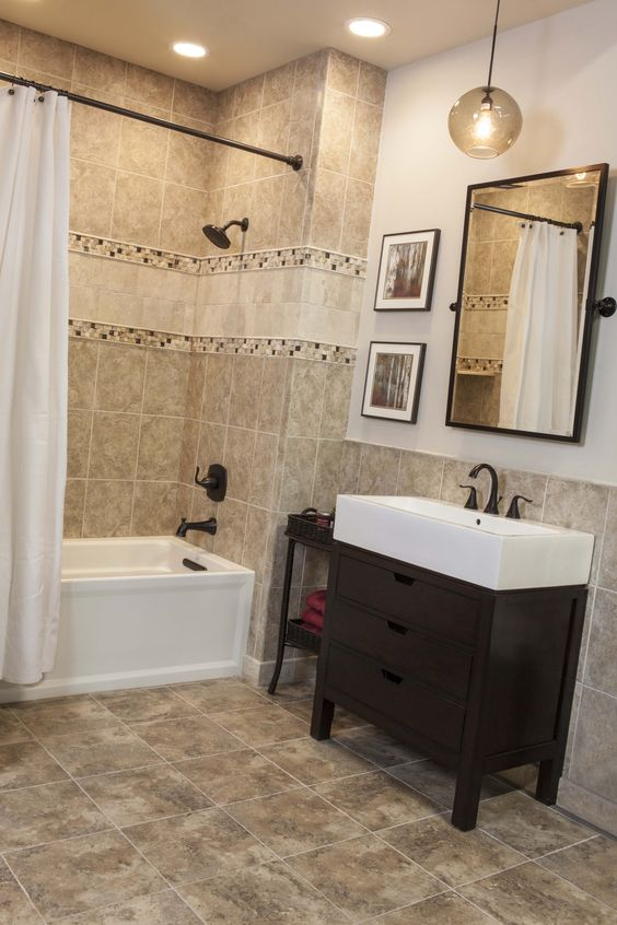 Ceramic Tiled Bath Accented With Travertine Thetileshop